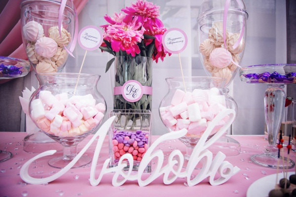 Слово из пенопласта Любовь на свадьбу
