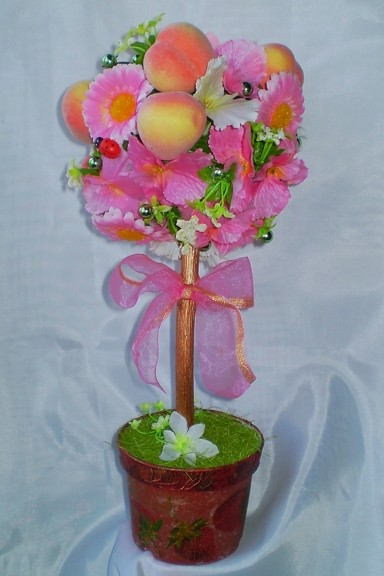Романтическое дерево из пенопласта