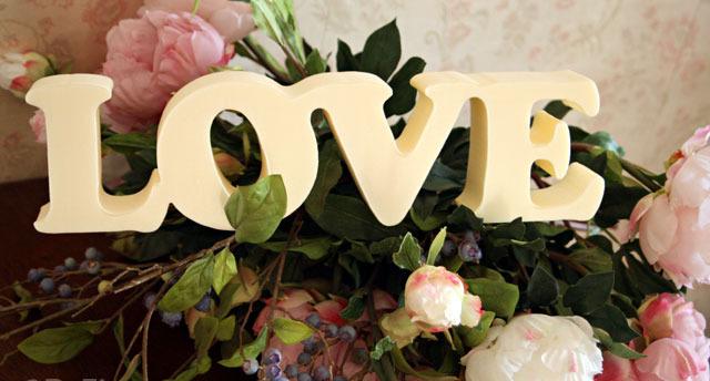 свадебный декор и слово love
