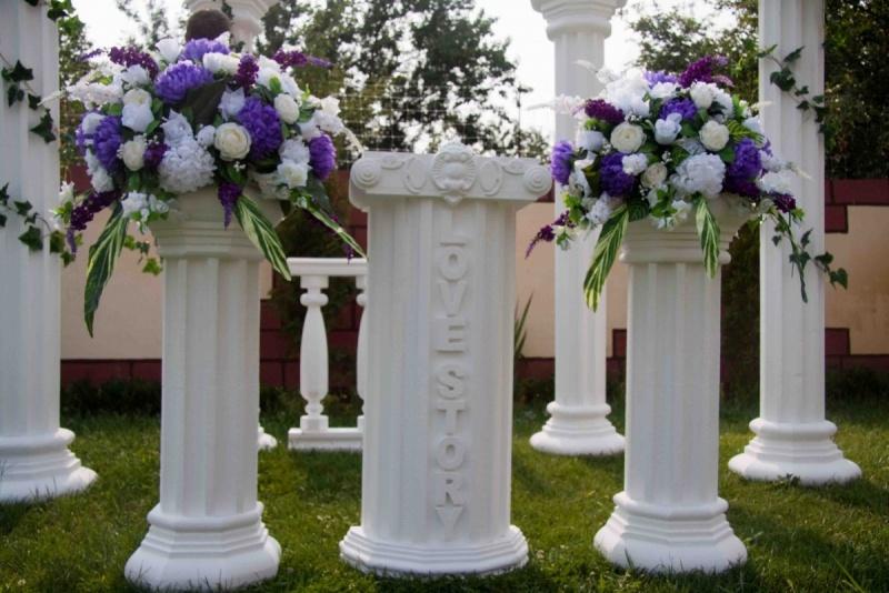 svadebnyj-dekor-iz-penoplasta-i-dereva-ot